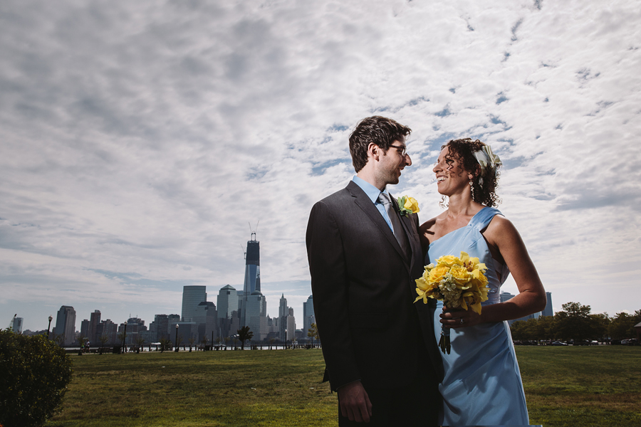 wedding photo in front of NYC skyline