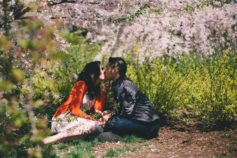 Cherry Blossom Engagement Photo Ideas