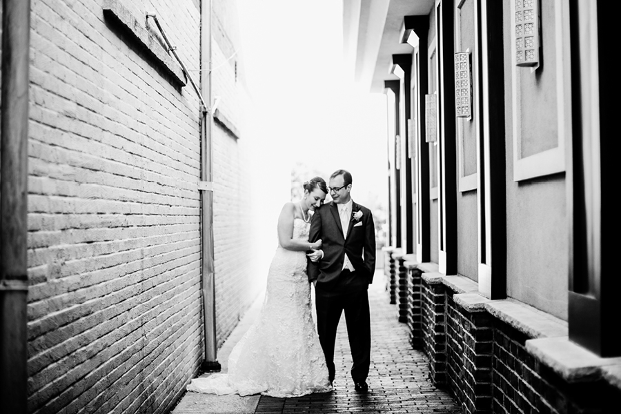 creative wedding photographers American Hotel