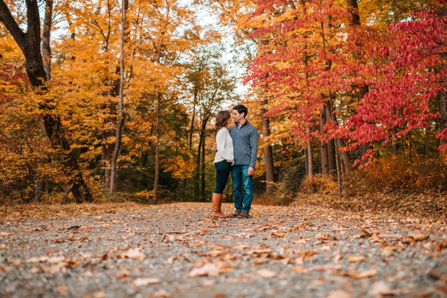 fall-engagement-session-in-nj_039