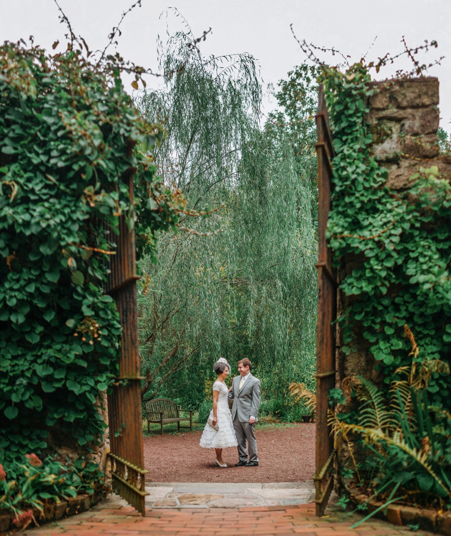 weddings-at-holly-hedge-estate-in-new-hope_0015