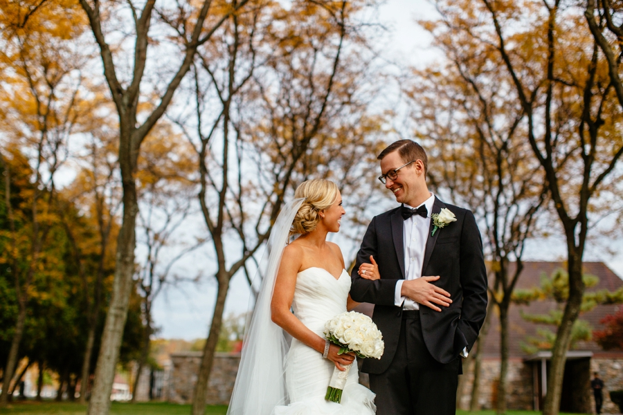 fall-wedding-at-pearl-river-hilton_0060