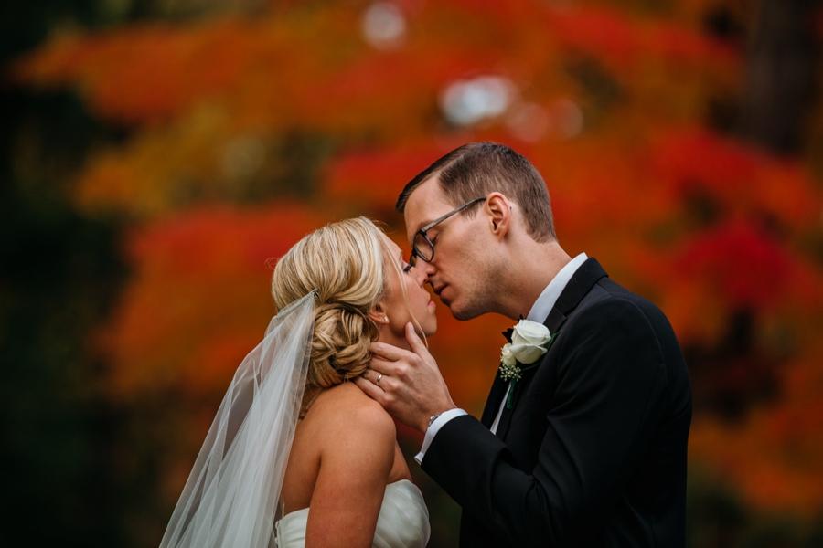 fall-wedding-at-pearl-river-hilton_0069