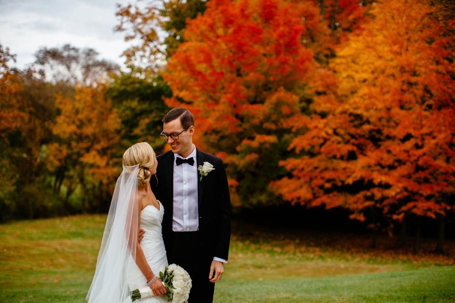fall-wedding-at-pearl-river-hilton_0075