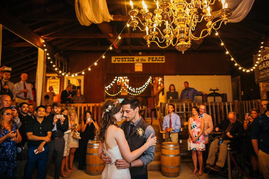 wedding-at-the-loft-at-jacks-barn_0103