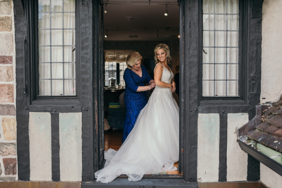 Pleasantdale Chateau Wedding Photographers
